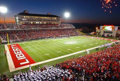 Liberty University sobe para a elite do College Football
