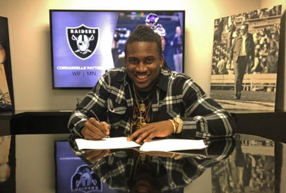 Cordarrelle Patterson assina com os Raiders - The Playoffs