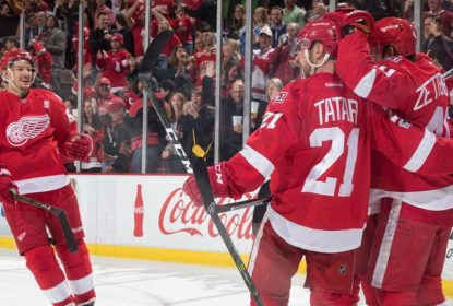 Detroit Red Wings surpreende e derrota Chicago Blackhawks - The Playoffs
