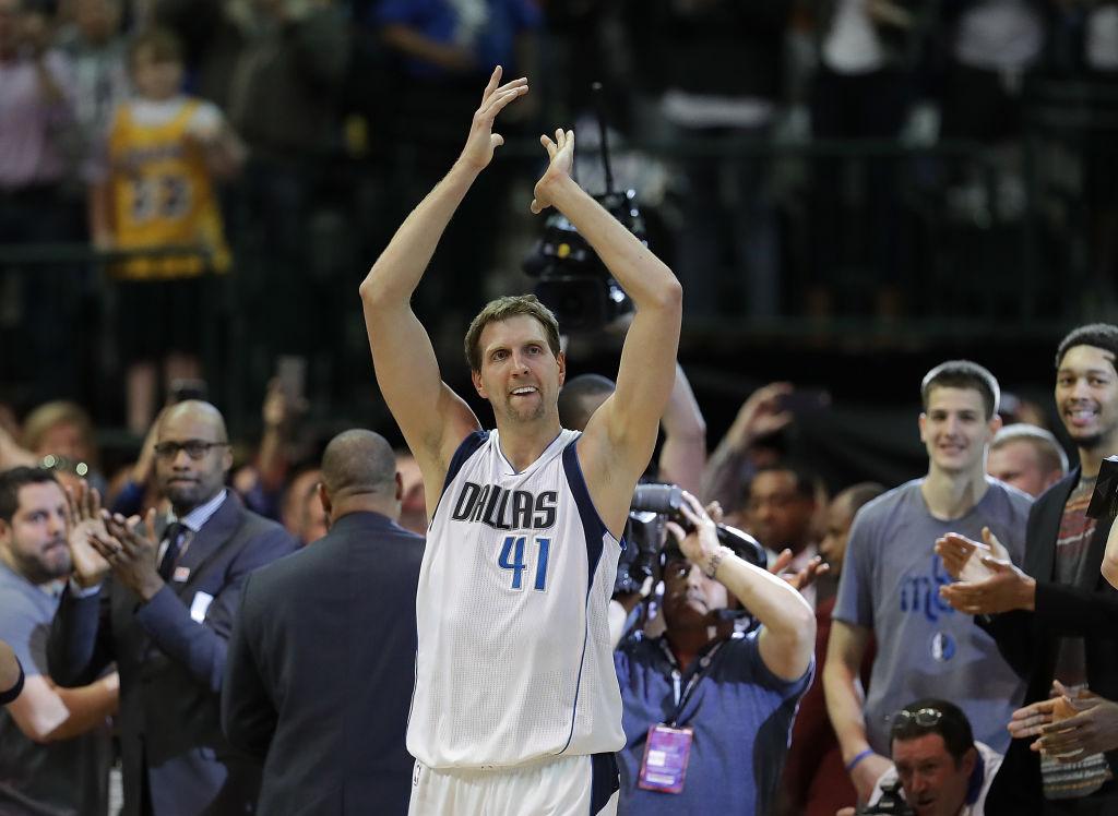 Doc Rivers pausa jogo e homenageia o alemão Dirk Nowitzki - The Playoffs