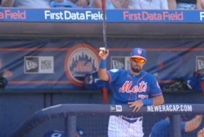 Com tranquilidade invejável, prospecto dos Mets agarra bastão que voava na direção do banco de reservas - The Playoffs
