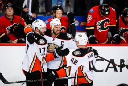 Ducks vencem Flames e fecham a série em 4 jogos - The Playoffs