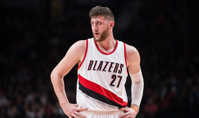 Jusuf Nurkic sofre fratura na perna
