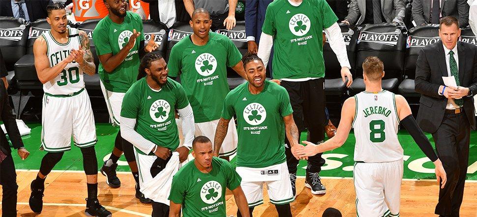 Boston Celtics vence Chicago Bulls pela primeira vez em casa e vira série - The Playoffs