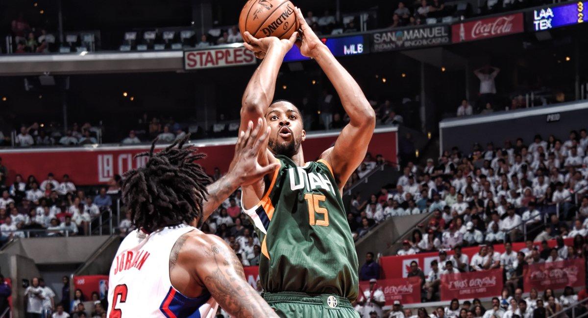 Derrick Favors em vitória do Jazz sobre os Clippers no Jogo 7 da primeira rodada dos playoffs 2017