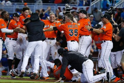Miami Marlins vence New York Mets com walk-off home run de J.T. Riddle