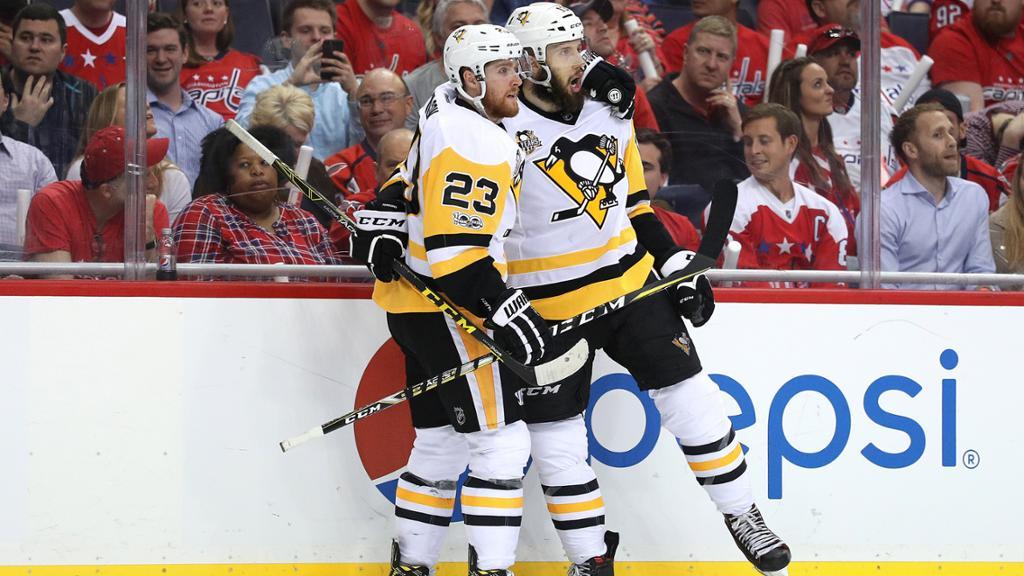 Nick Bonino marca e Penguins saem na frente em série dura contra Capitals