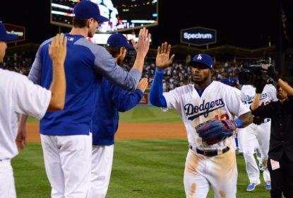 Yasiel Puig brilha em vitória dos Dodgers sobre os Diamondbacks em dia de homenagens a Jackie Robinson - The Playoffs