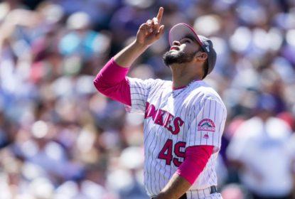 Rockies renovam com arremessador Antonio Senzatela e primeira base C.J. Cron - The Playoffs