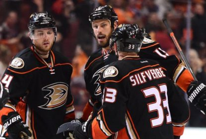 Com gol de Corey Perry, Ducks vencem Oilers de virada na 2ª prorrogação - The Playoffs