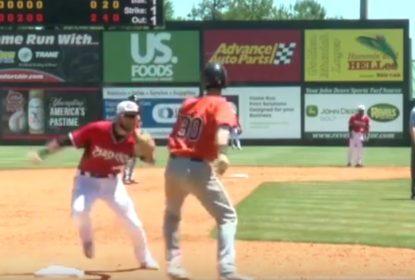 Jogador de Minor League esconde bolinha para eliminar corredor distraído - The Playoffs