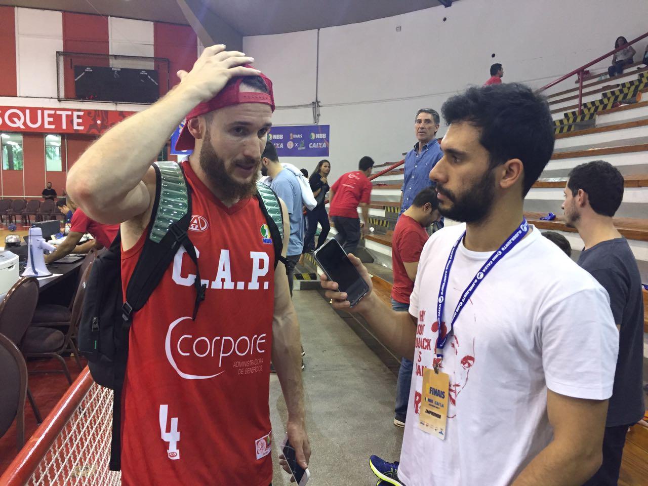 Marcelinho Huertas concede entrevista ao The Playoffs