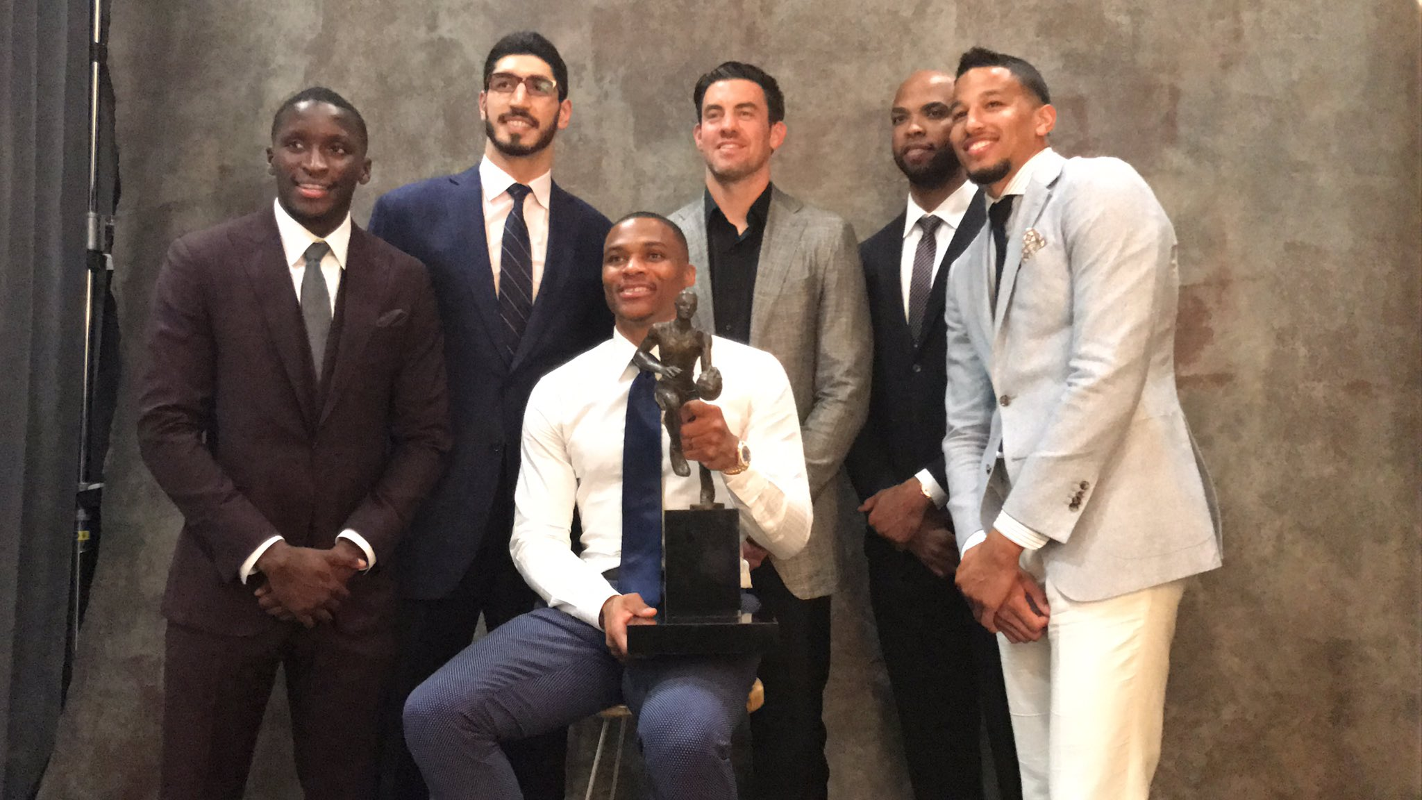 Russell Westbrook é o MVP da temporada regular 2016/2017 da NBA