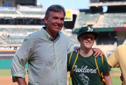 Billy Beane vence o prêmio de executivo do ano da MLB - The Playoffs