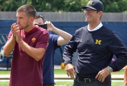 Time de futebol americano de Michigan encara Roma em desafio híbrido de 'soccer' e 'football' - The Playoffs