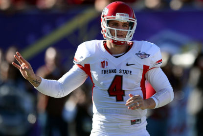 Universidade de Fresno State aposentará camisa 4 de Derek Carr - The Playoffs
