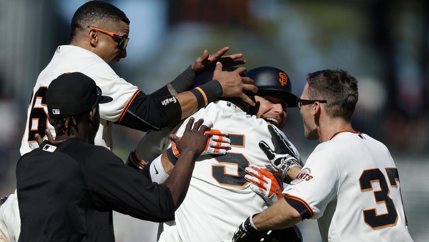 Giants vencem Padres, com rebatida de walk-off para Nick Hundley