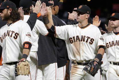 San Francisco Giants derrota Pittsburgh Pirates com chuva de corridas - The Playoffs