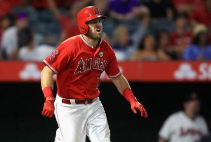 Com grand slam de Cliff Pennington, Angels vencem Athletics de virada - The Playoffs