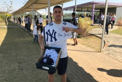 Jogador do Corinthians, Gabriel revela torcida pelos Yankees e ganha presente da MLB - The Playoffs