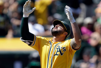 Cleveland Indians fecha com Yonder Alonso - The Playoffs