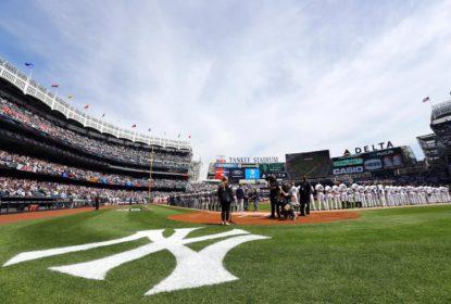 Criança é atingida no rosto por bola rebatida no Yankee Stadium - The Playoffs