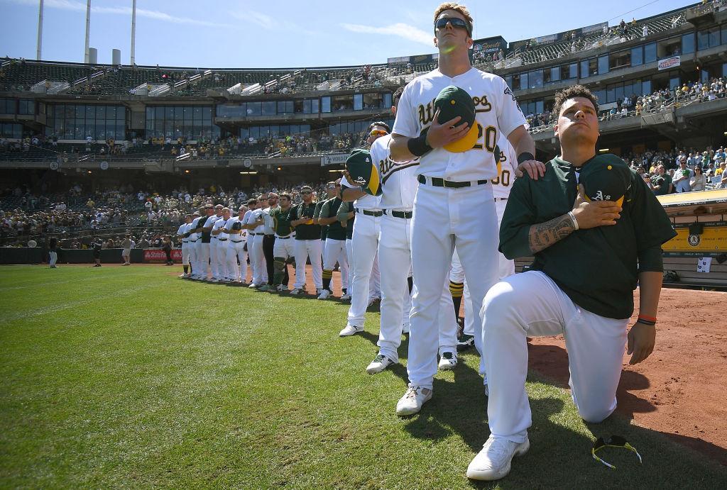 9943d68a77 Bruce Maxwell é o primeiro atleta da MLB a ajoelhar durante hino dos EUA