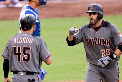 Com quatro home runs de J.D. Martinez, D-backs atropelam Dodgers - The Playoffs