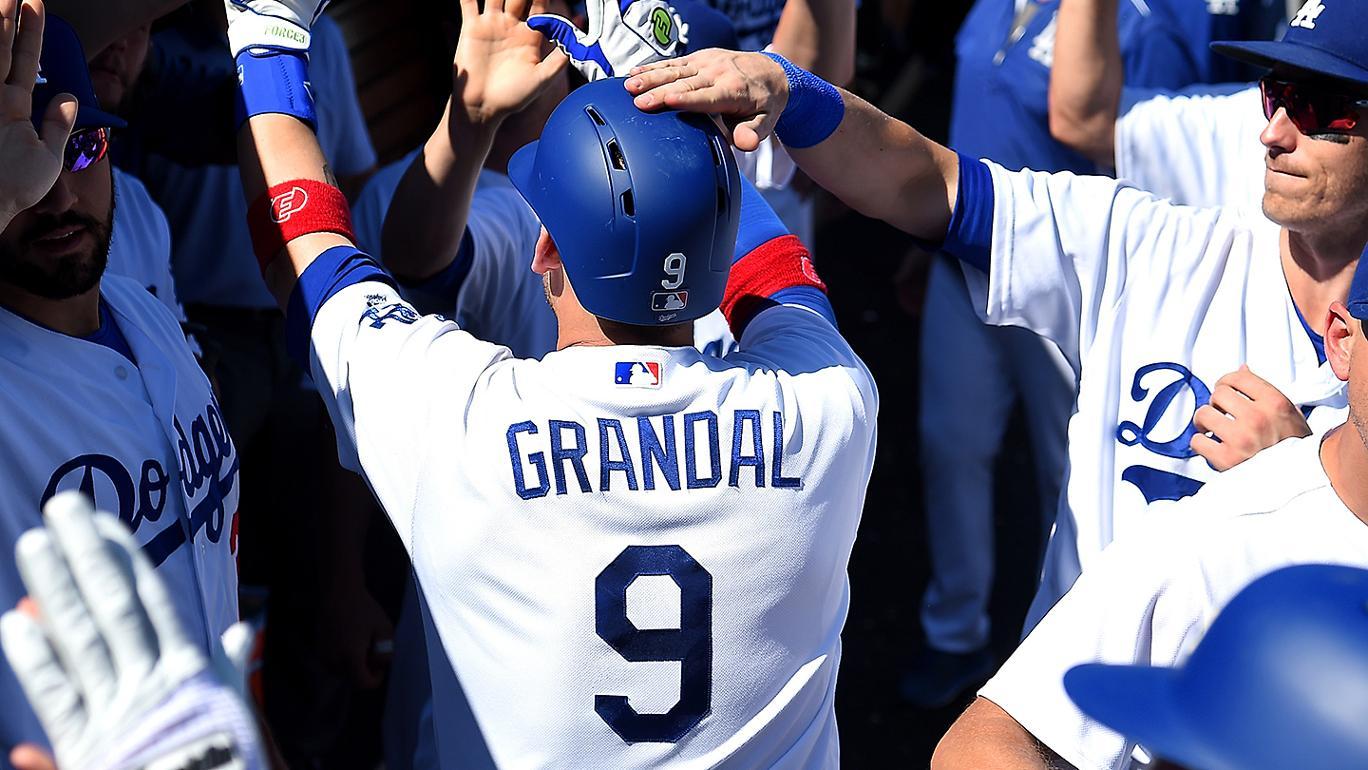 Dodgers vencem Giantse Kershaw conquista 18º triunfo em 2017