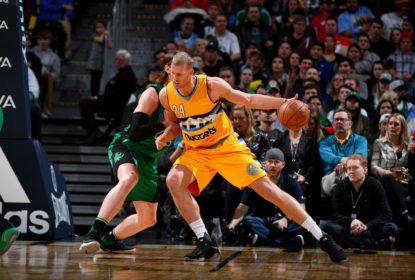 Mason Plumlee assina extensão com os Nuggets