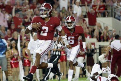 Alabama vence Arkansas e segue invicta na temporada - The Playoffs