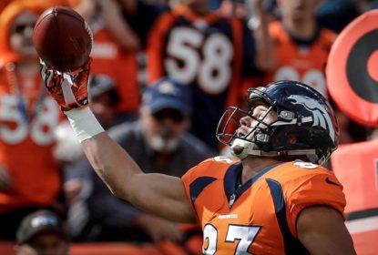Com interceptação no fim, Denver Broncos vence Oakland Raiders - The Playoffs