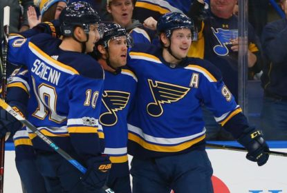 Com hat-trick de Jaden Schwartz, Blues vencem Blackhawks - The Playoffs