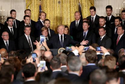 Trump sugere medidas punitivas aos jogadores que protestarem durante o hino - The Playoffs