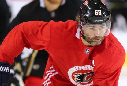 Jaromir Jagr deve integrar a primeira linha dos Flames - The Playoffs