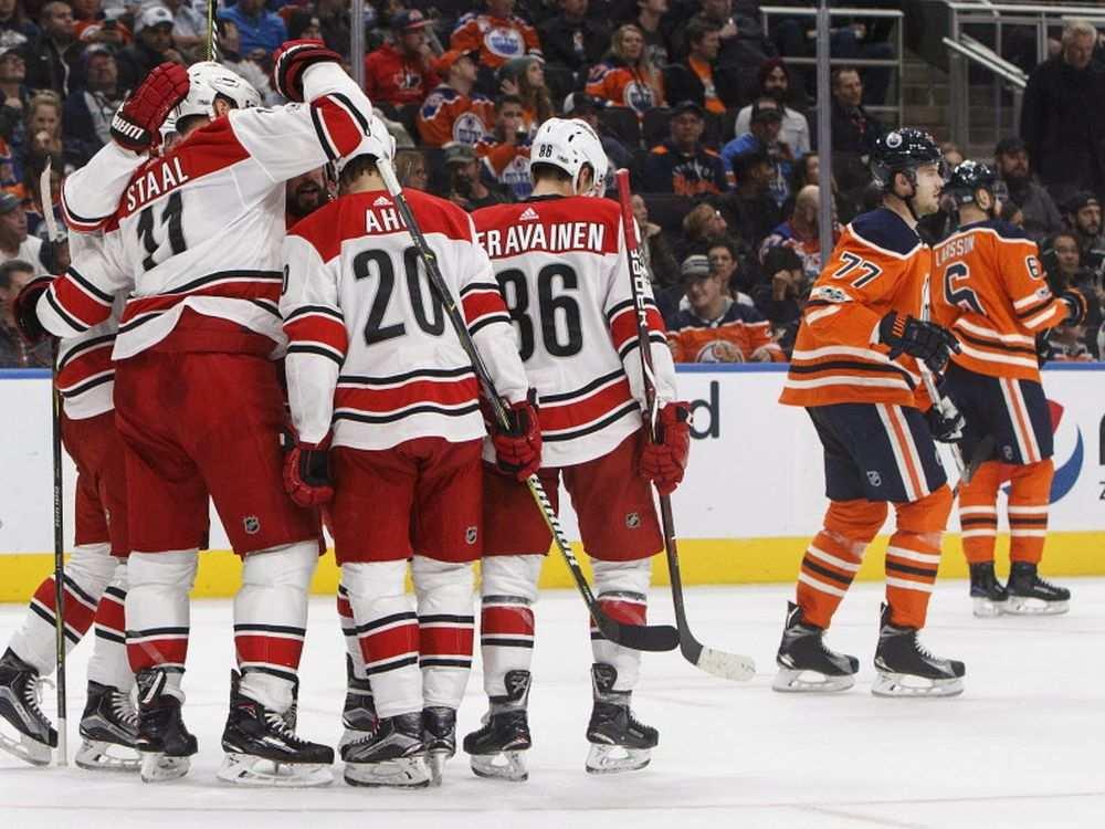 Com início arrasador, Carolina Hurricanes derrota Edmonton Oilers - The Playoffs