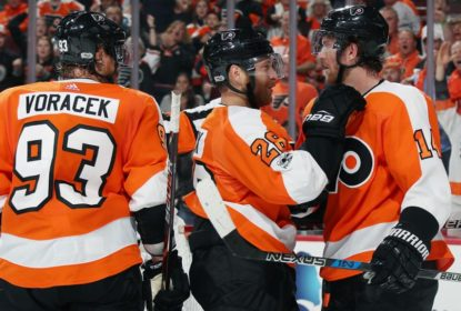 No primeiro jogo em casa na temporada, Flyers detonam Capitals