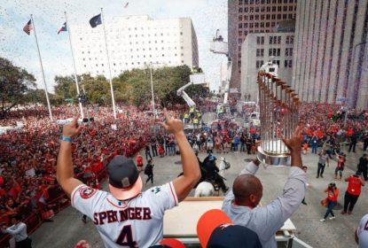 Houston faz a festa com desfile para receber jogadores dos Astros - The Playoffs