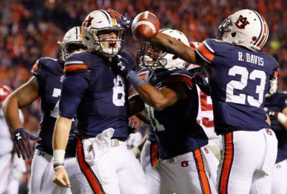 Auburn surpreende mais uma vez, vence Iron Bowl e derruba invencibilidade de Alabama - The Playoffs