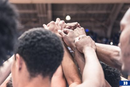 Duke conta com show de calouro para estrear com vitória - The Playoffs