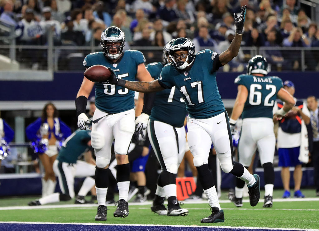 ARLINGTON, TX - NOVEMBER 19: Alshon Jeffery #17 of the Philadelphia Eagles celebrates a two-point conversion by Torrey Smith #82 of the Philadelphia Eagles (not pictured) in the third quarter against the Dallas Cowboys at AT&T Stadium on November 19, 2017 in Arlington, Texas.