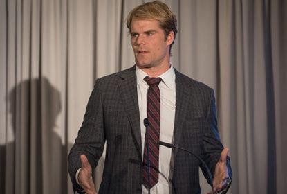 Vikings não querem que Greg Olsen participe da transmissão de partida contra Rams - The Playoffs