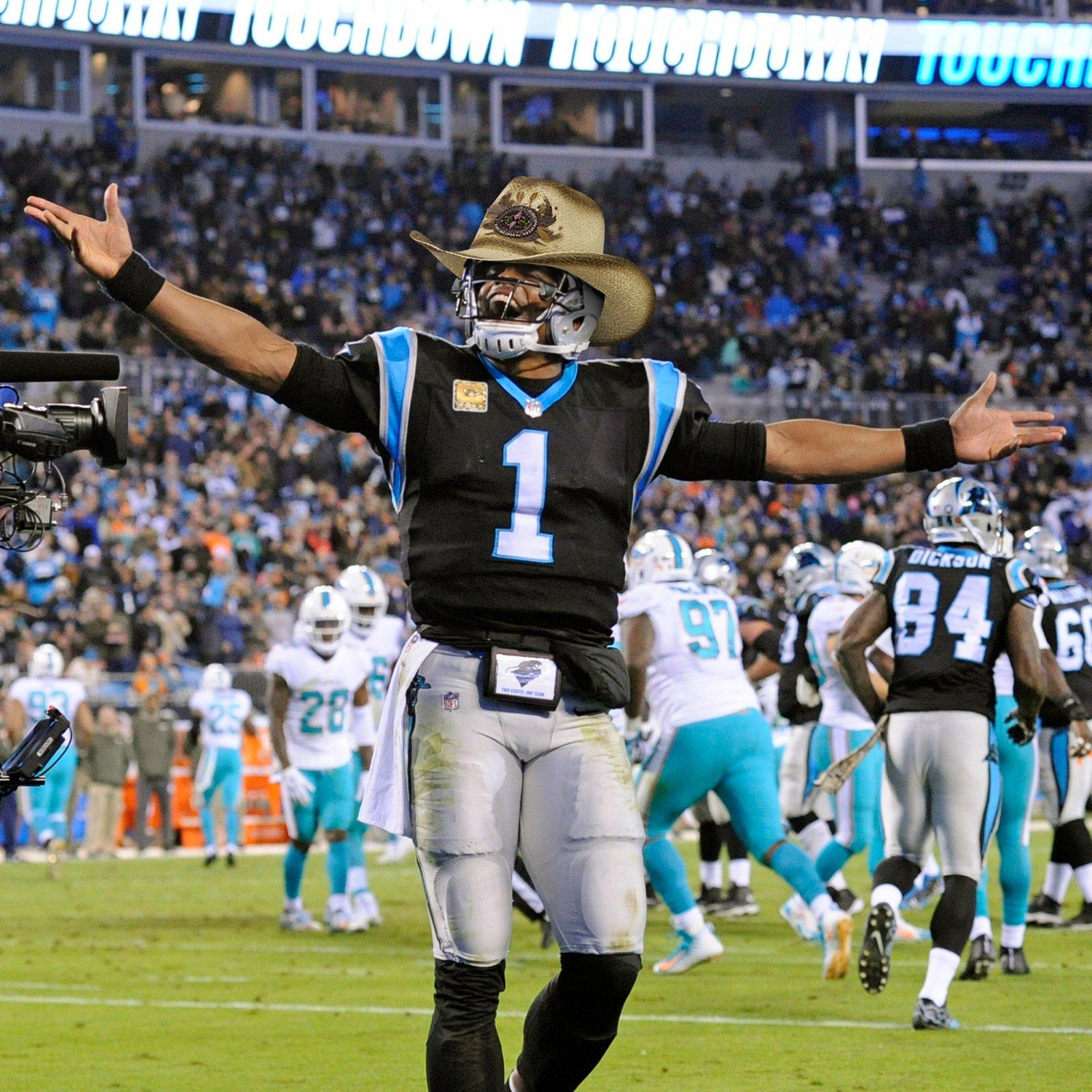 Cam Newton usa chapéu na vitória sobre o Miami Dolphins