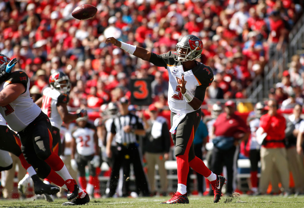 TAMPA, FL - OCTOBER 29: Quarterback Jameis Winston #3 of the Tampa Bay Buccaneers throws to an open receiver during the first quarter of an NFL football game Carolina Panthers on October 29, 2017 at Raymond James Stadium in Tampa, Florida.