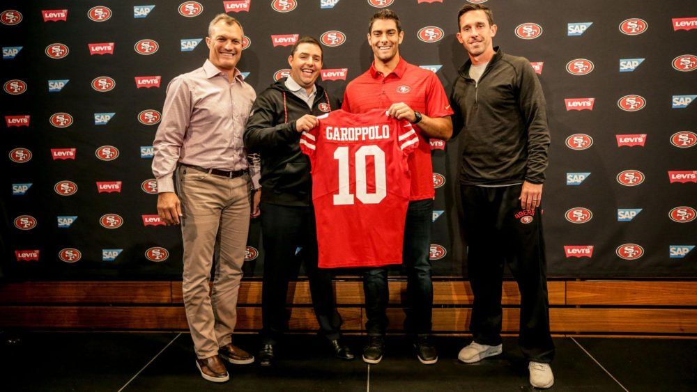 Jimmy Garoppolo se apresenta aos 49ers