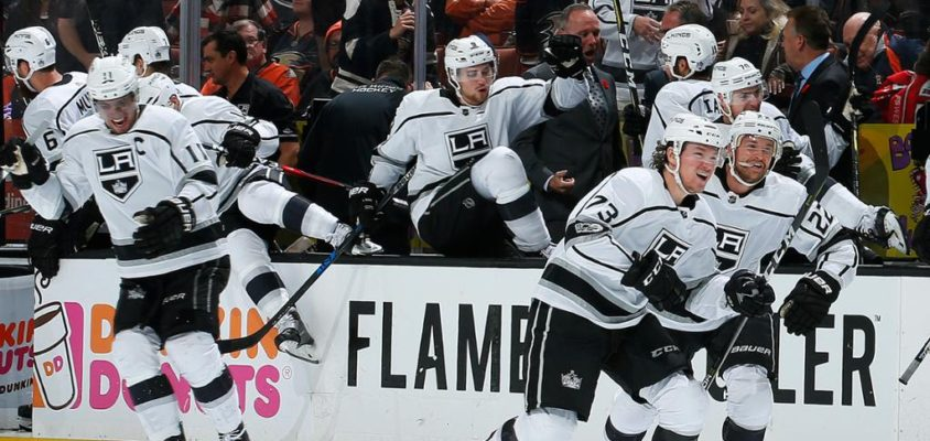 De virada, Kings derrotam Ducks em Anaheim