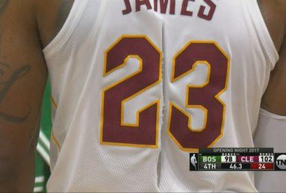 Camisa rasgada de LeBron James