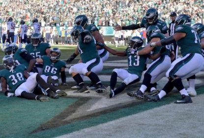 Em estreia de Cairo Santos, Eagles atropelam os Bears dentro de casa - The Playoffs