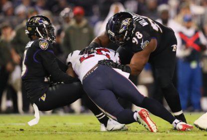 NFL anuncia nova regra de uso do helmet para contato - The Playoffs