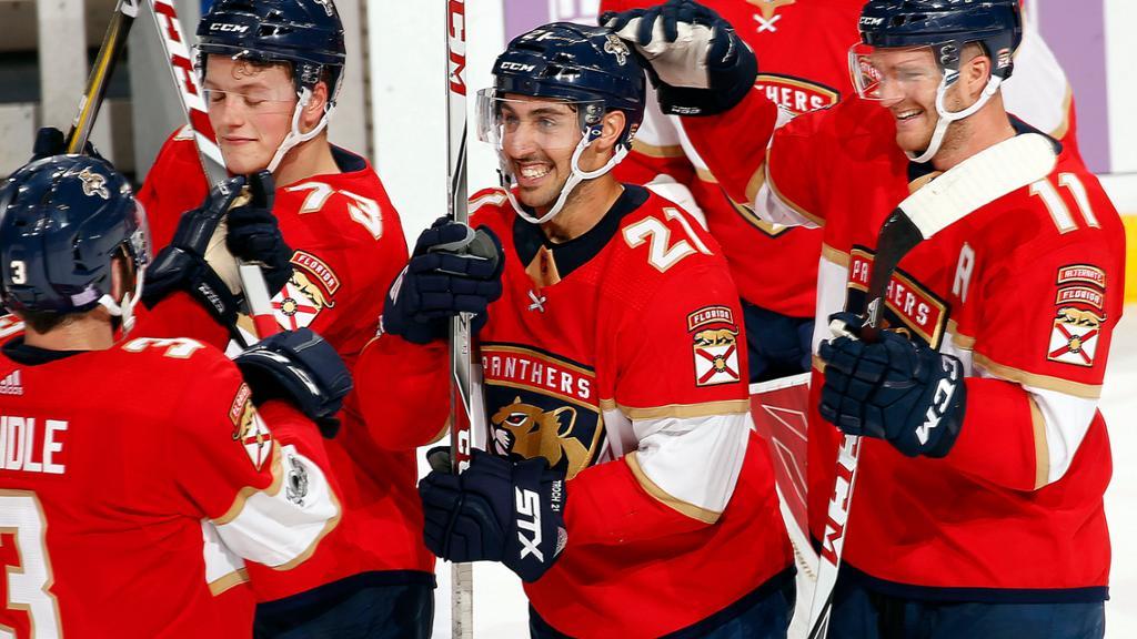 Panthers superam Stars, no shootout